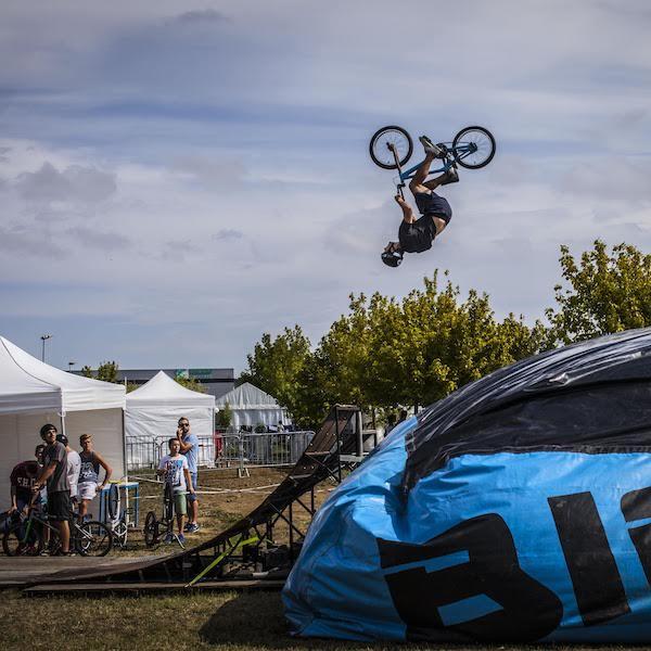 Big Air Bag BMX Freestyle
