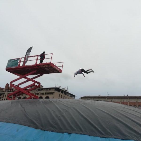 saut nacelle jump airbag