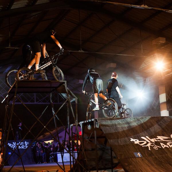 Spectacle BMX et VTT trial